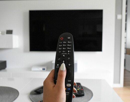 Jak oglądać za darmo filmy w telewizji?